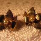 Vintage Brushed Gold Faux Pearl Earrings Clip-on