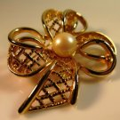 Vintage Gold Tone Bow Brooch Pin Pearl Center