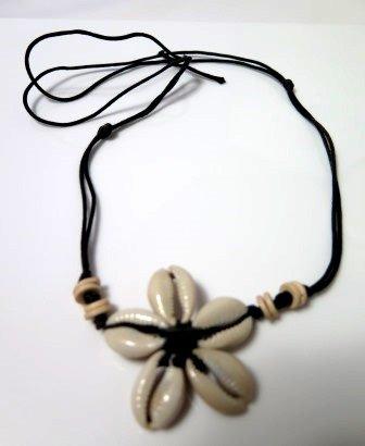 Shell Daisy Choker Necklace