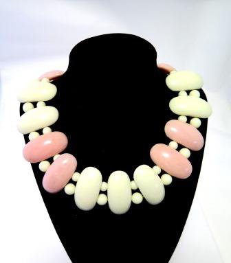 Retro Pink and White Necklace