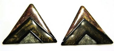 Sandstone Triangle Pierced Earrings