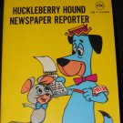 Huckleberry Hound Newspaper Reporter, 1977 Hanna Barbera cartoon mini flip book, vintage
