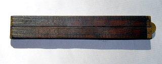 Antique Folding Carpenter�s Ruler