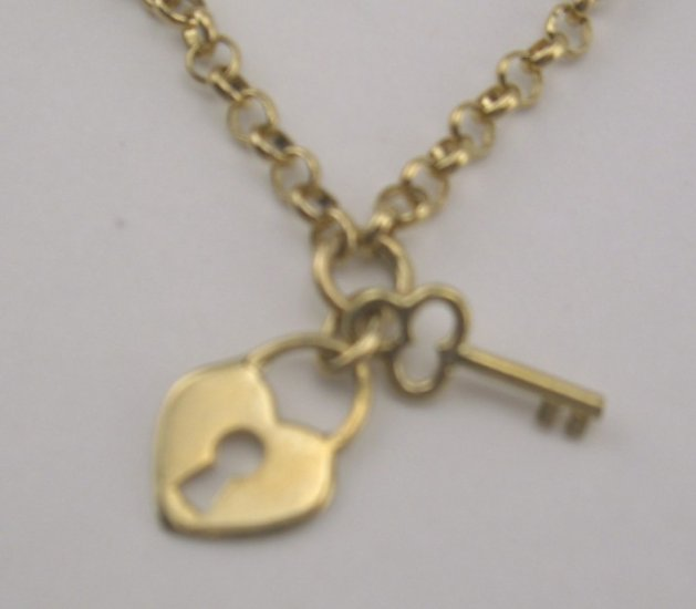 New Romantic 10K Rolo Chain Heart Lock & Key Charm Bracelet