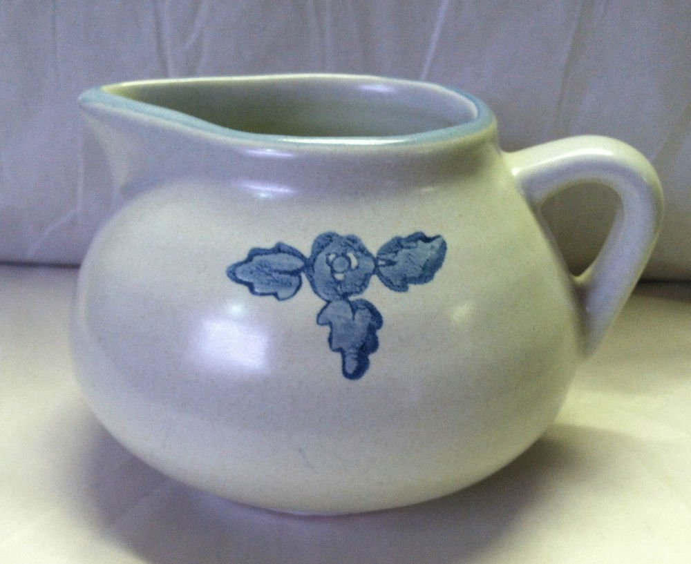 Unknown Brand Yorktowne Style Vintage Creamer Pitcher 3 Leaf BLue Flower