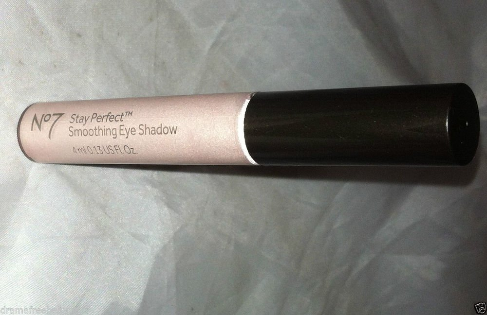 Boots No.7 Stay Perfect Smoothing Eye Shadow * PRETTY PINK * Pale Pearly New