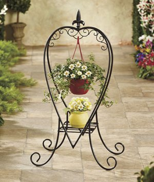 Metal Heart-Shaped Planter Great for Garden Decor!