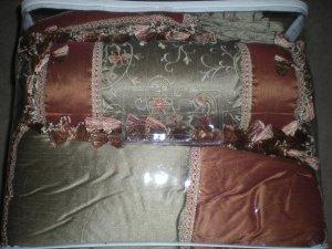 8 Piece Queen Comforter Set
