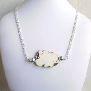 Stone Slab Solitaire Necklace Off-White