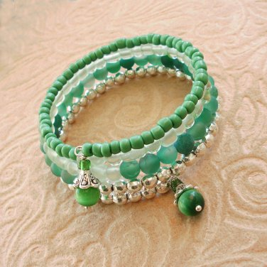 Green Multi-Layer Glass and Matte Agate Beaded Bracelet