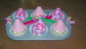6PK BURP CLOTH CUPCAKES IN A CUPCAKE PAN ~ SHOWER FAVOR