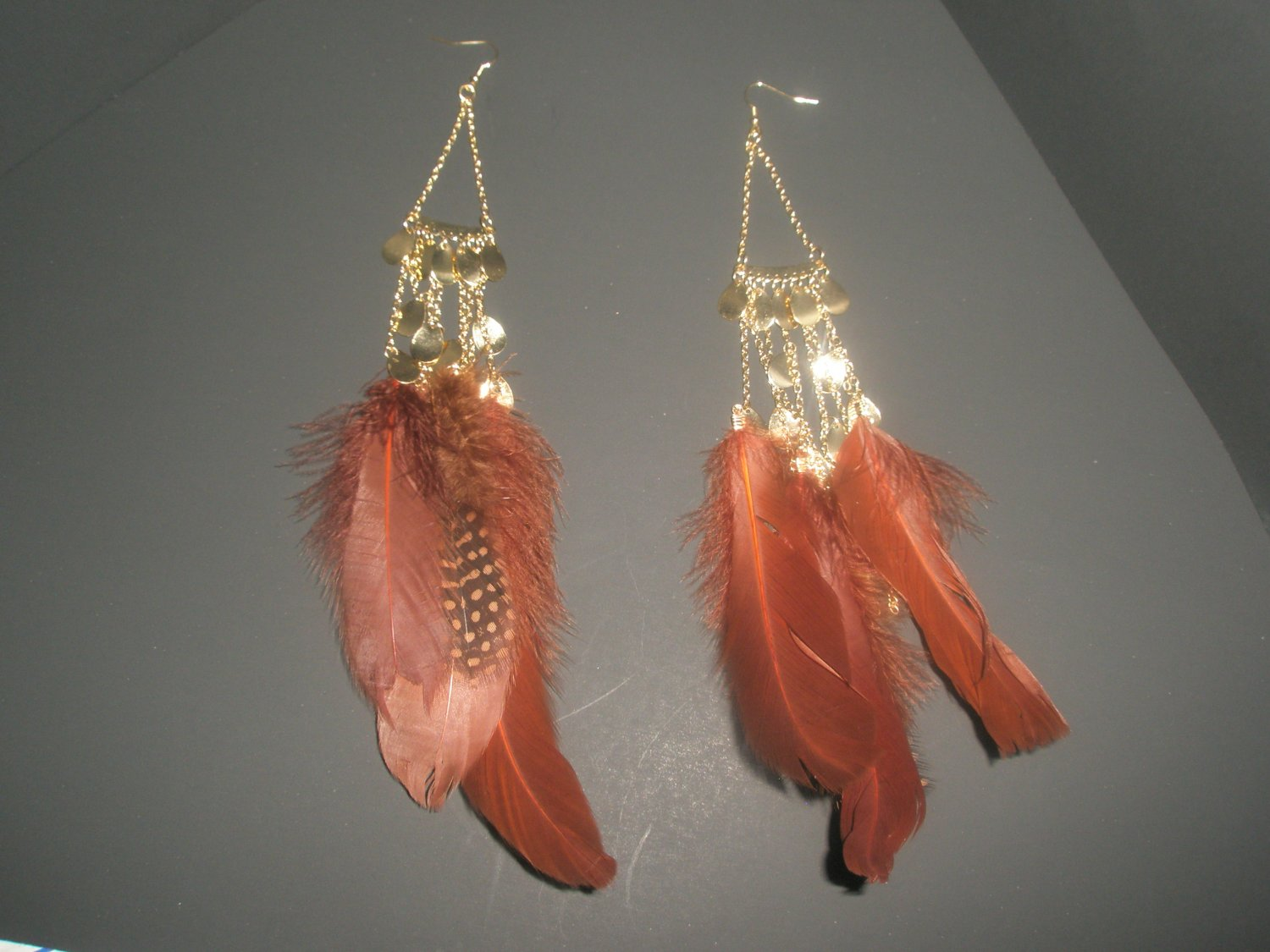 Multi feather earrings - Brown and Gold