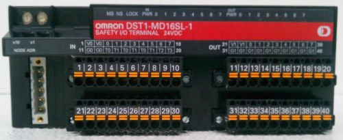 Omron DST1-MD16SL-1 Safety I/O Terminal 8 Input 80 Output 24 Volt DC 110 mA