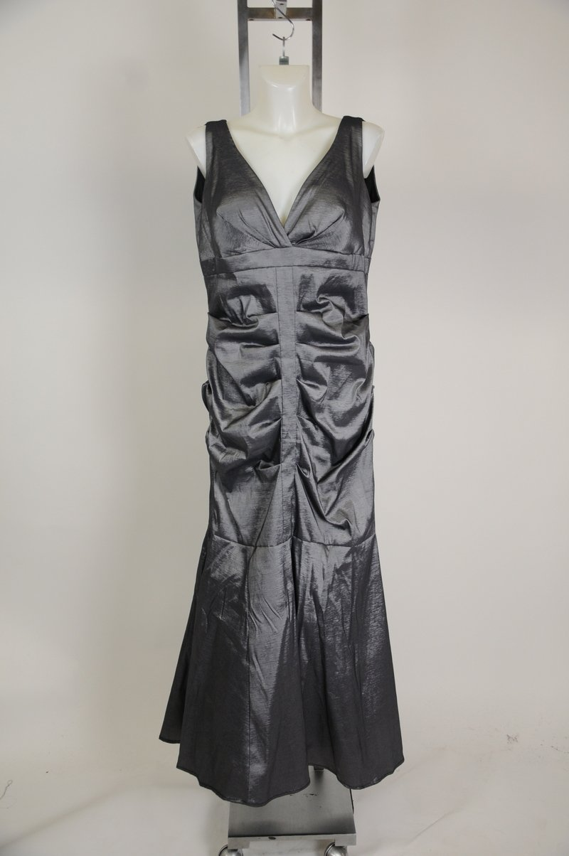 NEw Xscape Woman Evening Dress Gown Metalic Silver Gray Plus Size 18W