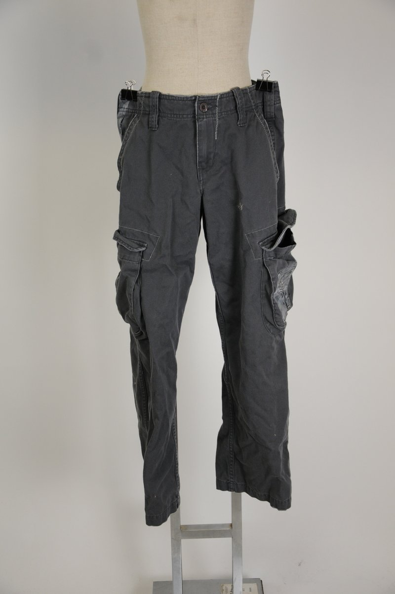 NWOT Gray Vurt Cargo Pants 100% Cotton Size 28