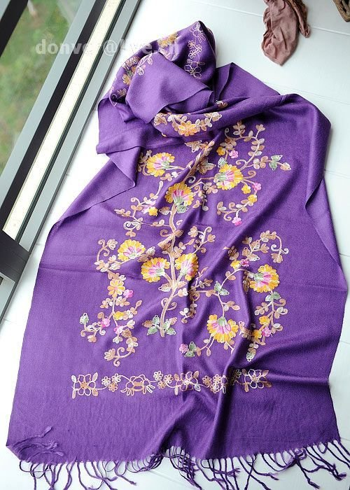 Cashmere tree and flower purple cashmere scarf