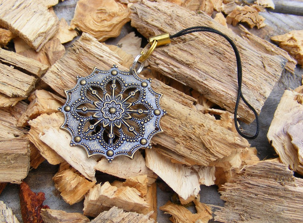 Handcrafted Zipper Pull Geocaching SWAG - Flower