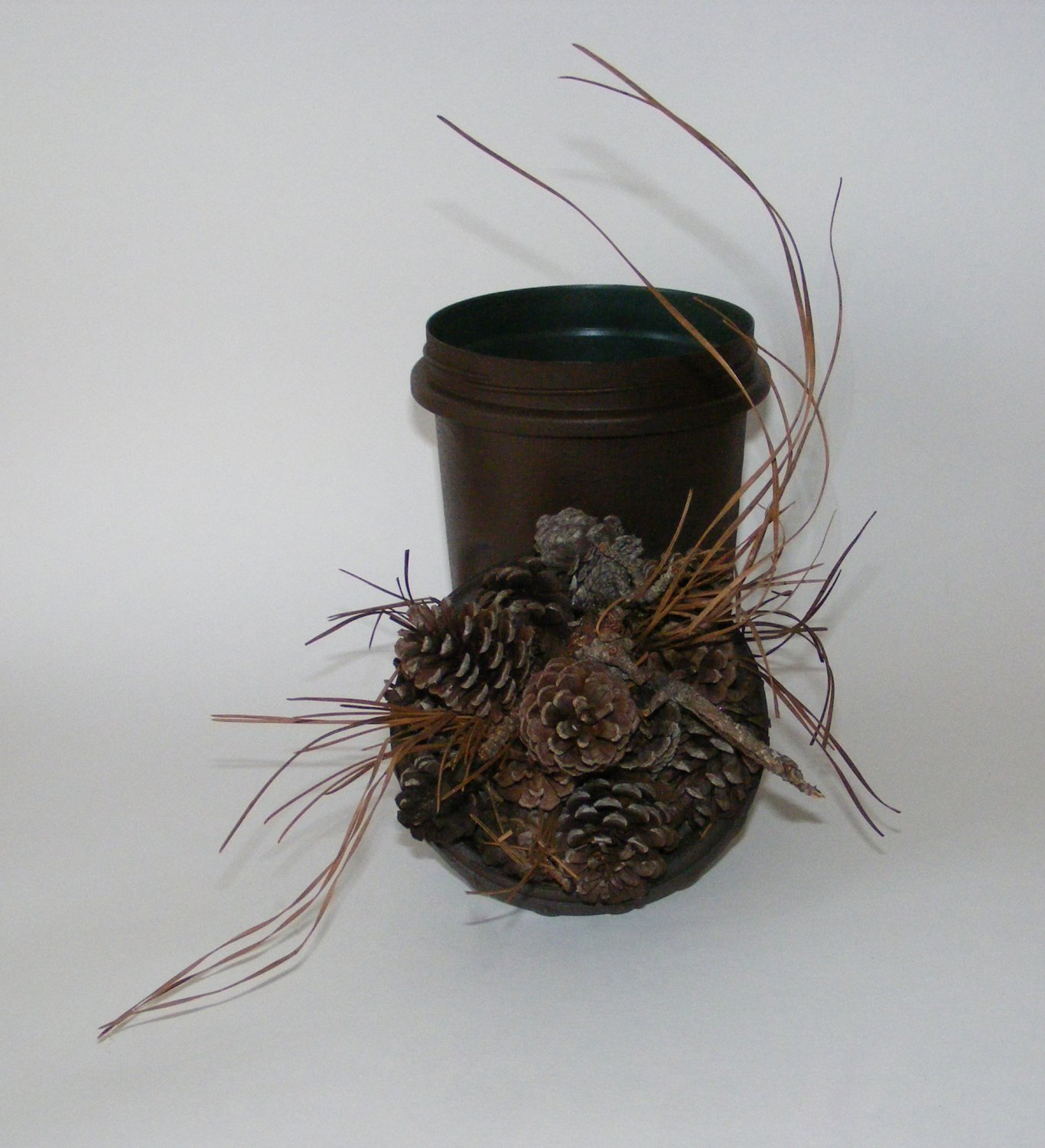 Regular Pine Cone And Pine Straw Geocaching Container
