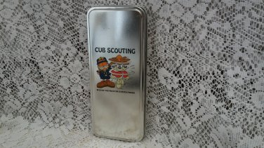 1999 Garfield the cat cub scout writing pen with tin.