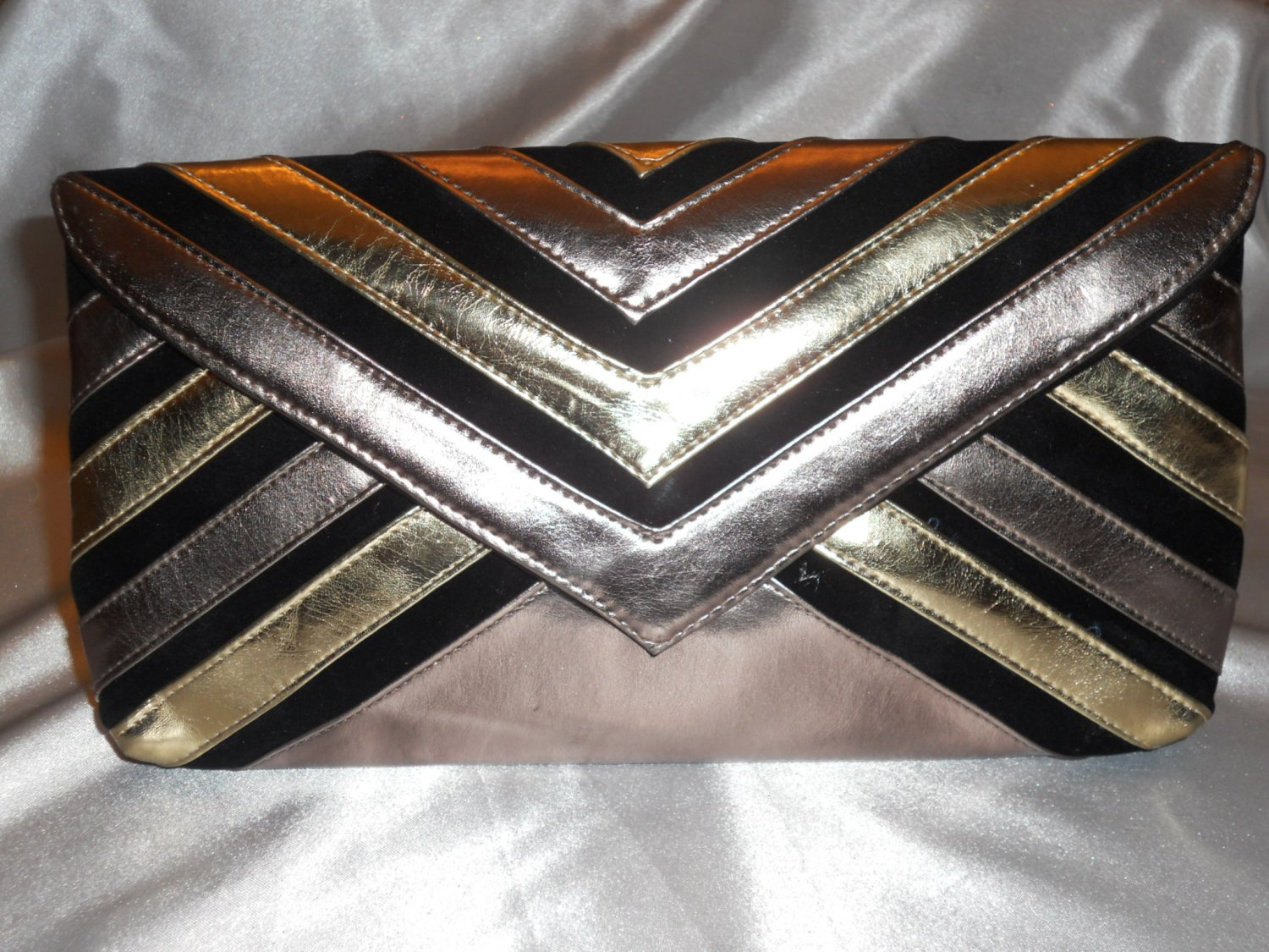 METALLIC CLUTCH EVENING BAG