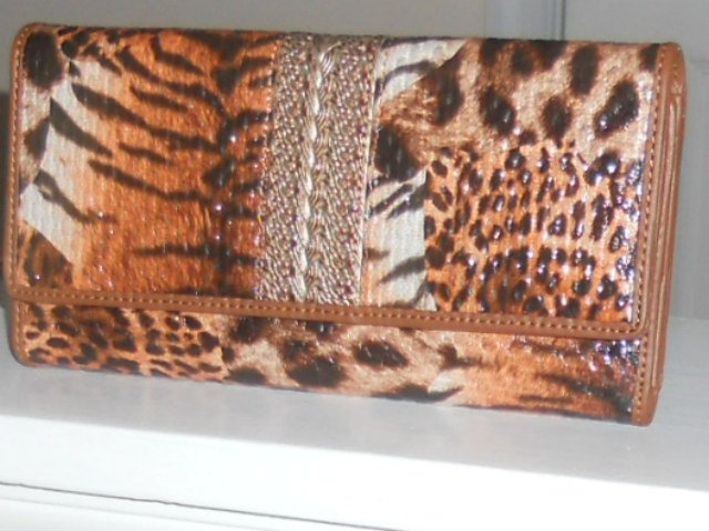 BROWN /COFFEE SHINY LEOPARD ANIMAL PRINT CLASSIC  WALLET