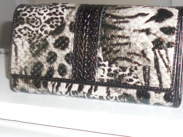 SHINY BLACK LEOPARD ANIMAL  PRINT CLASSIC WALLET