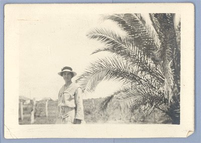 Vintage Photo PEARL in HAT under PALM TREE 1910s