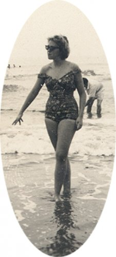 Vintage Photo 1950s SWIMSUIT BATHING BEAUTY