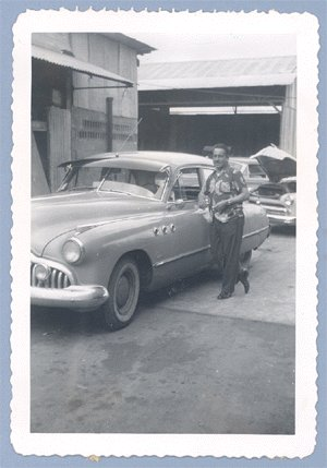 Vintage Photo BUICK SUPER Classic Car 1952 HAWAII