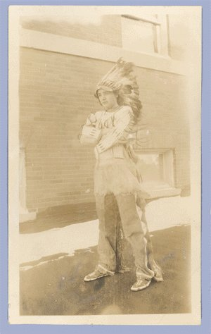 Vintage Photo 1920s INDIAN Lakota Sioux HEADDRESS