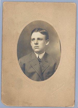 Vintage Photo CABINET CARD Man in Ill-fitting Jacket