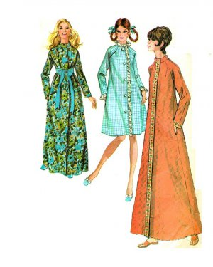 McCall's 2696 Vintage 70s ROBE in three versions Sewing Pattern