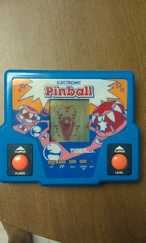 Tiger Electronic Pinball Handheld Game