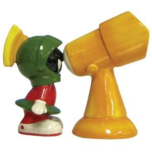 Looney Tunes Marvin The Martian and Telescope Salt & Pepper