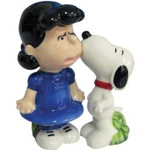 Peanuts Magnetic Snoopy and Lucy Kiss Salt & Pepper