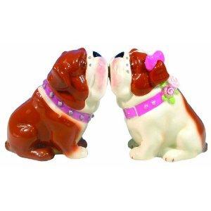 Mwah Magnetic Bulldogs Couple Kissing Salt and Pepper Shaker