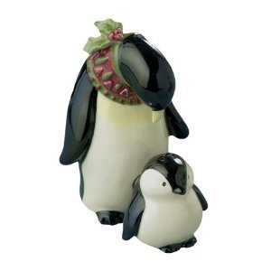 Magnetic Penguin Mom Wearing Scarf with Baby Penguin Salt & Pepper Shaker