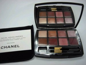 Chanel color compact