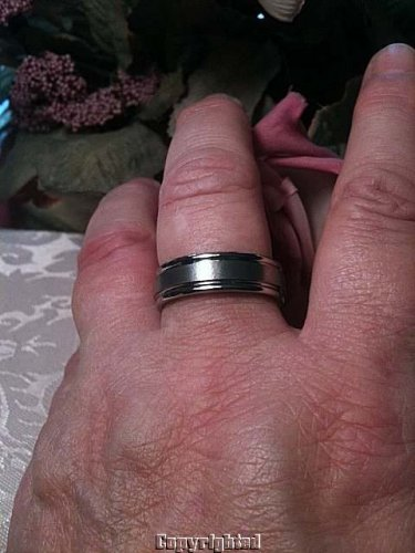 Men's COMFORT FIT SOLID Titanium Ring Size 10
