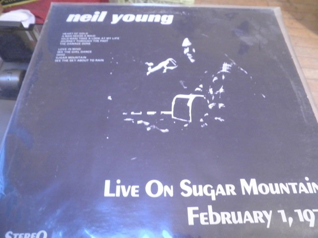 NEIL YOUNG - LIVE SUGAR MOUNTAIN 2/1/71 LP
