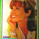 Audrey Hepburn / Clint Eastwood  clipping pinup 1971 : 71s2