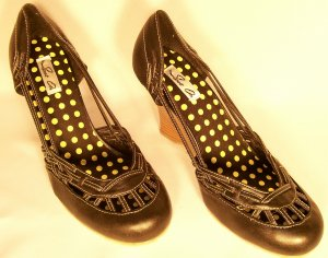 wedge round toe heels black size 10