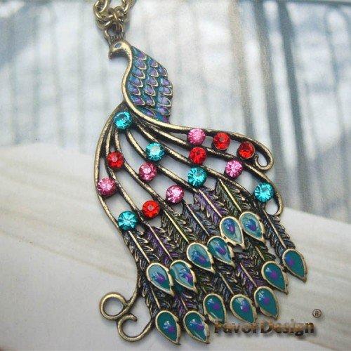 Elegant Retro Brass Crystal Peacock design Pendant Necklace