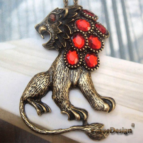 Elegant Retro Brass Crystal Lion design Pendant Necklace