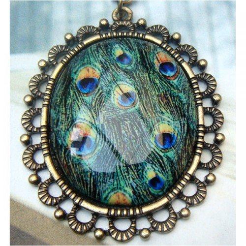 Elegant Retro Brass Peacock Leather design Pendant Necklace
