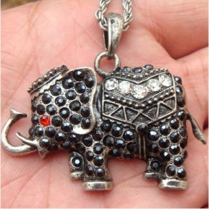 Silver Plated Swarovski Crystal Elephant Necklace Vintage Style