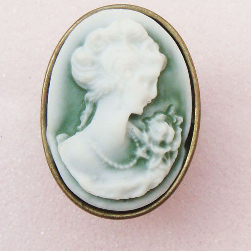 Size 7.0 Antique Brass Cameo Ring