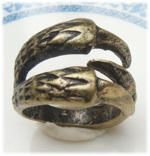Size 6.3 Antique Brass Claw Ring Vintage Style