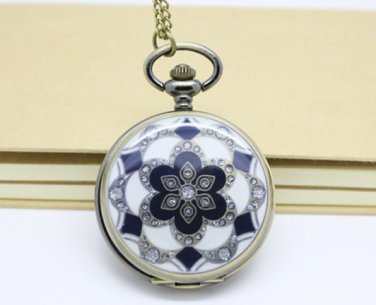 Antiqued Brass Vintage Style Classic The Great White Glue Flowers Pocket Watch Necklace