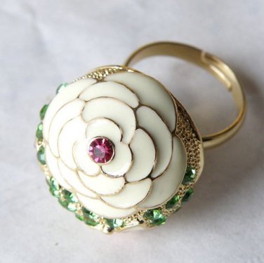 The Golden Butterfly Fashion Color Rose Rhinestone Ring